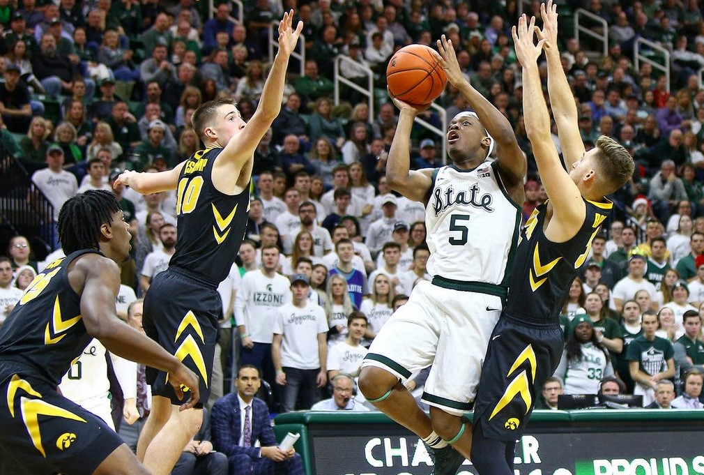 Iowa Will Carve Up Cover Vs. Michigan State In Top 25 Tilt Thursday