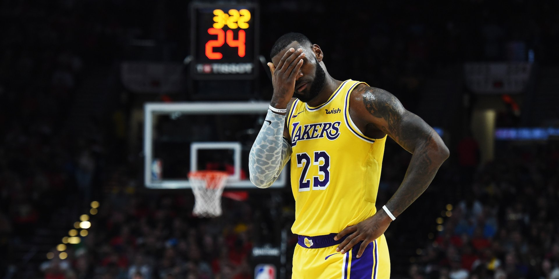 Offense & Forced Shots Under Luke Walton Reportedly 'Discouraged' LeBron James