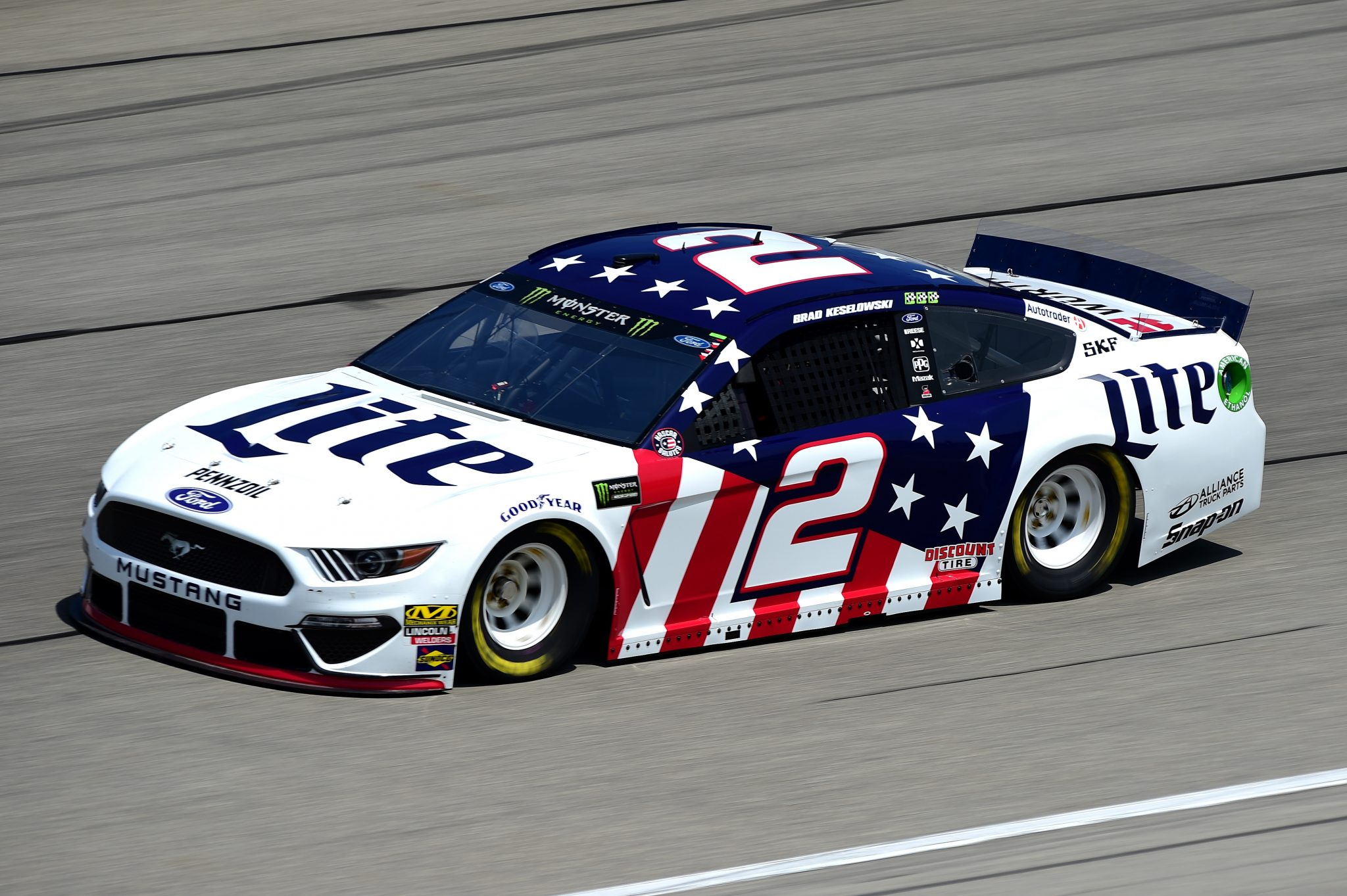 Kyle Busch And Brad Keselowski Head The List of Favorites To Win At Pocono