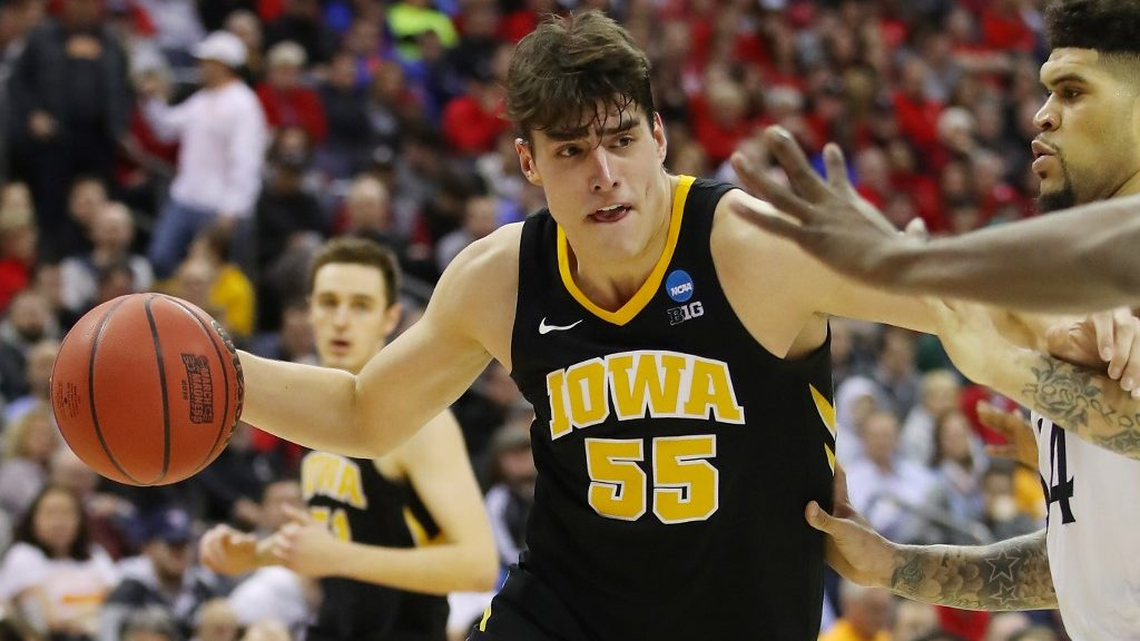 Three Teams to Watch: NCAA Basketball Picks and Predictions