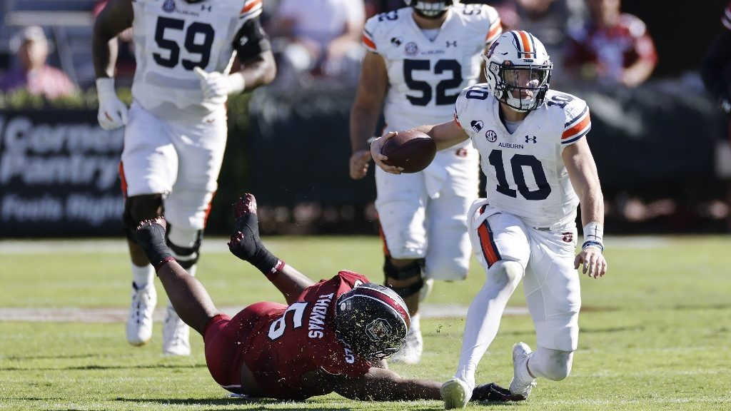 LSU vs. Auburn: NCAAF Week 9 Betting Picks and Game Predictions