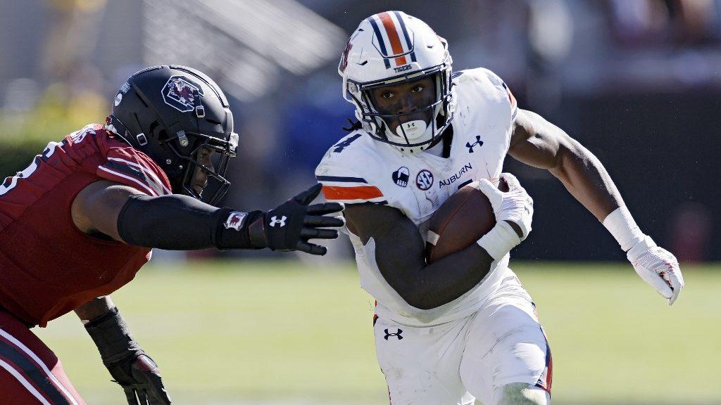 Tennessee vs. Auburn: College Football Picks and Predictions