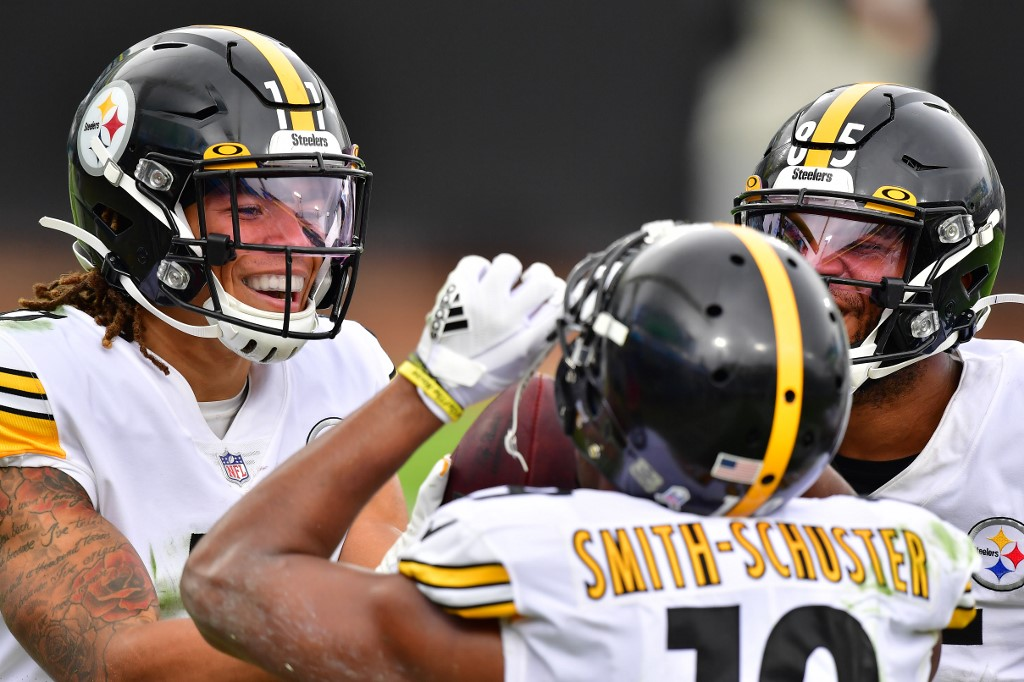 Chase Claypool celebrates with Juju Smith Schuster