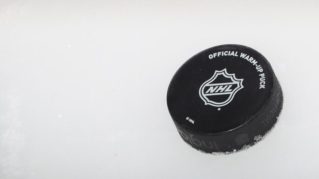 The Hockey Diaries: I Am Not Your Financial Adviser