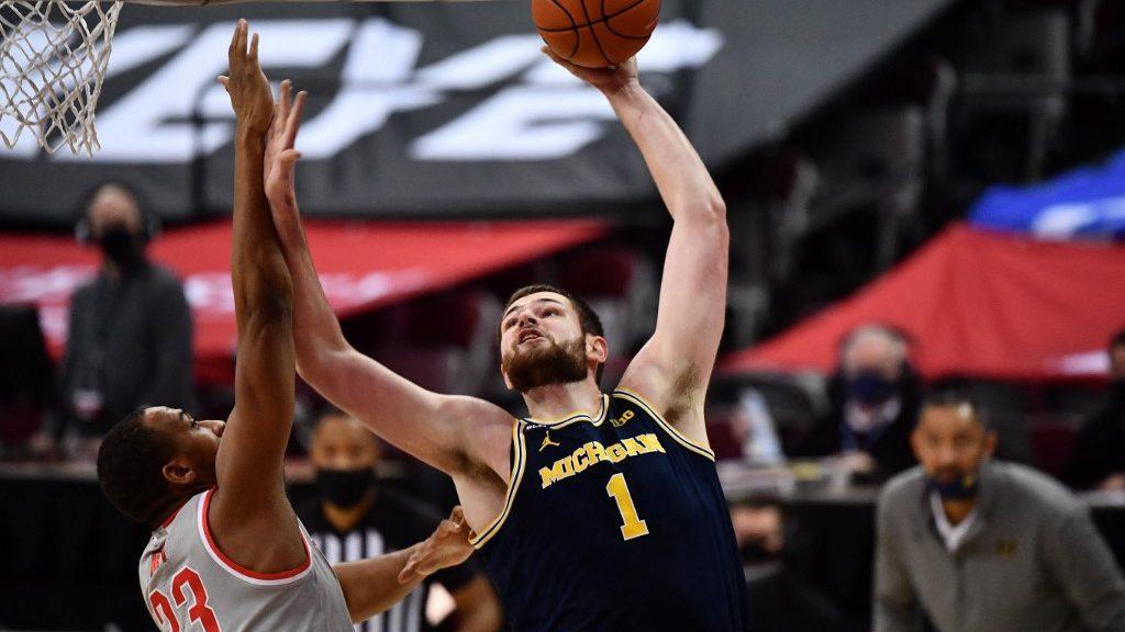 Iowa vs. Michigan: NCAA Basketball Picks and Predictions