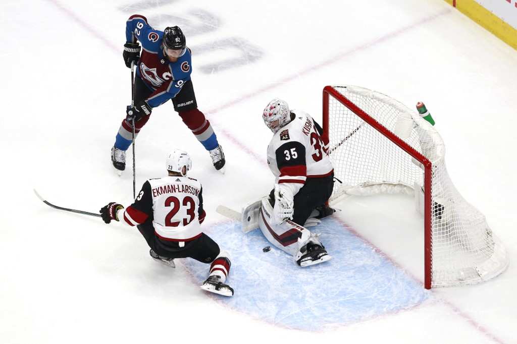 The Avalanche plays the Coyotes tonight