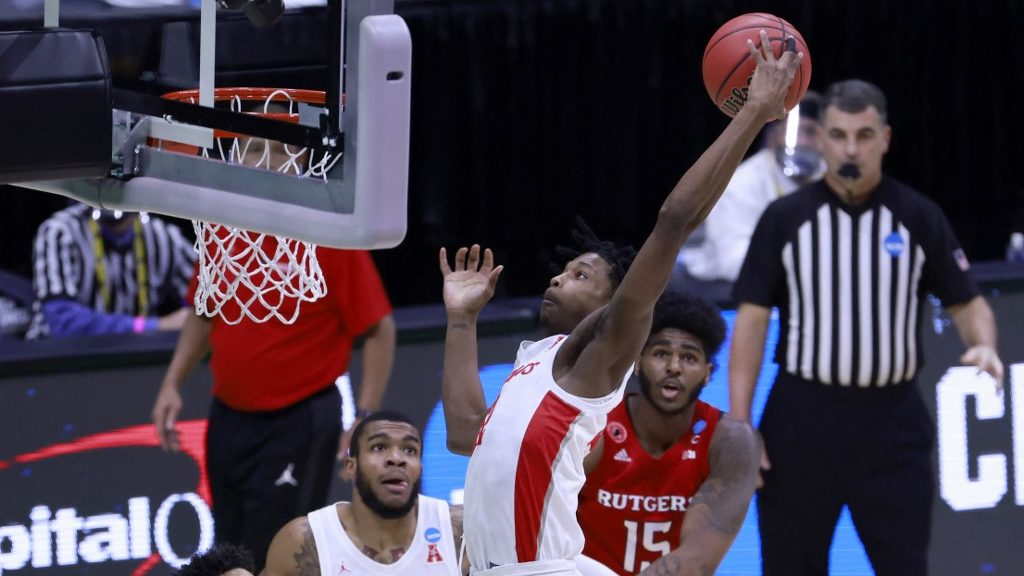NCAA Tournament Sweet 16 Parlay Picks for Saturday