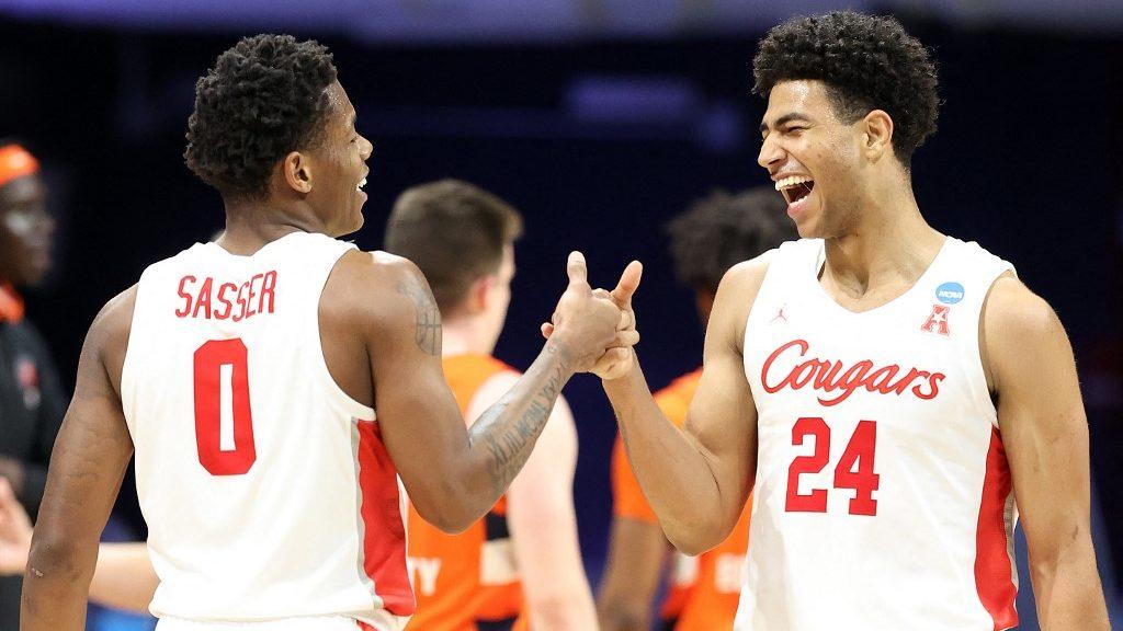 NCAA Tournament Elite Eight Parlay Picks for Monday