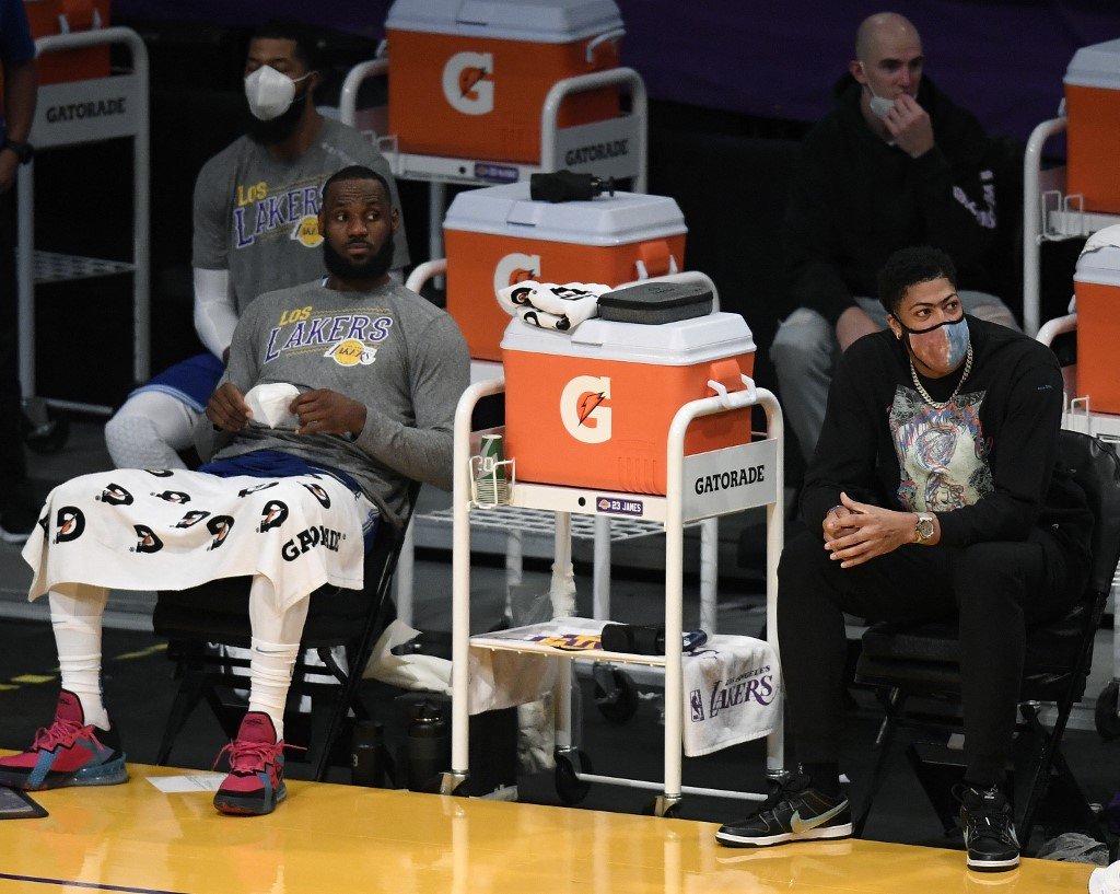LeBron and AD injured