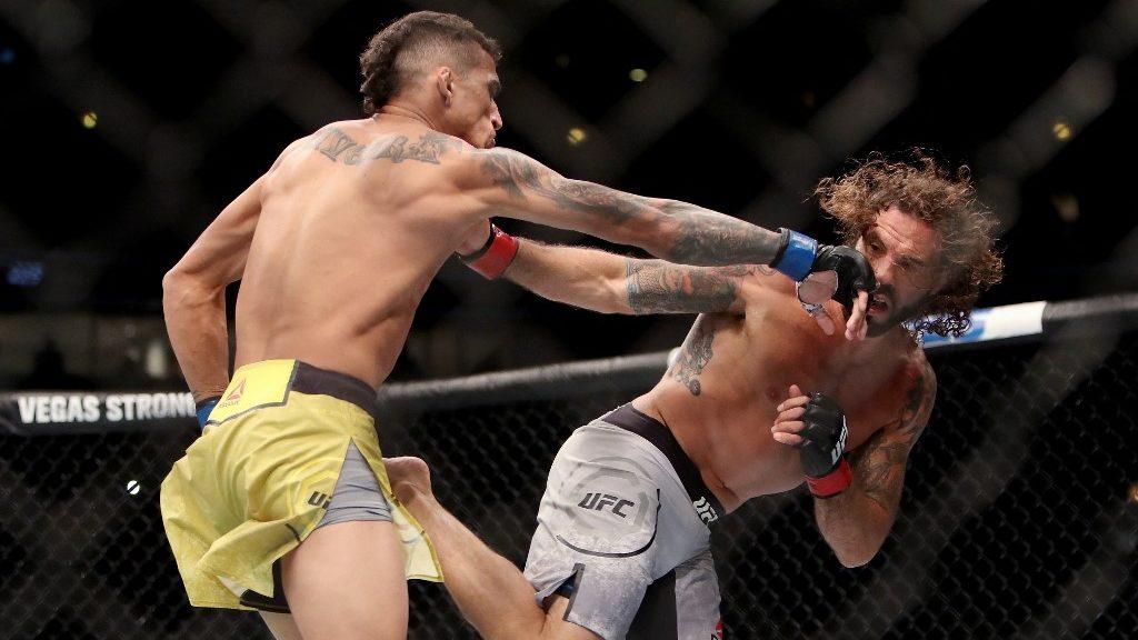 UFC 262: Charles Oliveira vs. Michael Chandler Main Event Picks