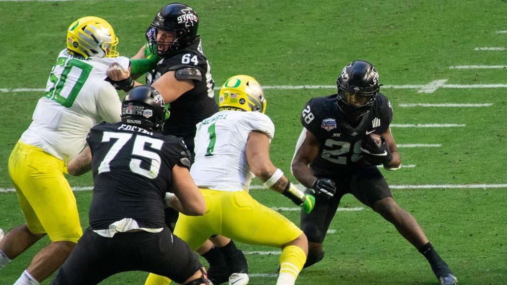Predicting Pac-12 Over/Under Win Totals for Next Season