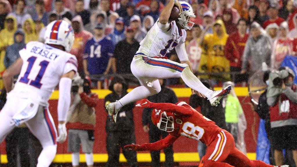NFL Week 6 Best Bets: Bills vs. Titans Monday Night Football Picks